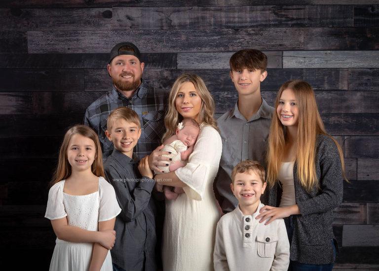 Chatfield Minnesota Family portrait of 8